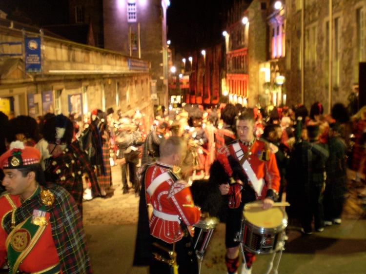 Waiting to back on - Looking down The Royal Mile
