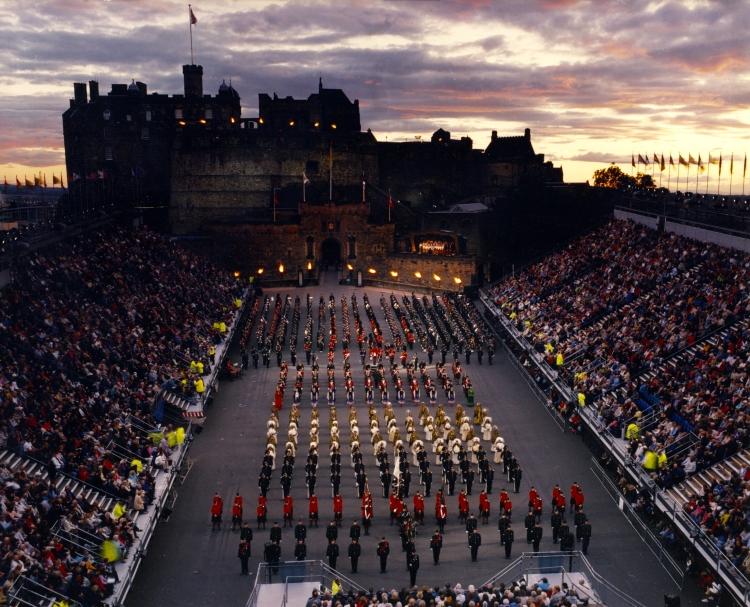 2001 Edinburgh full cast