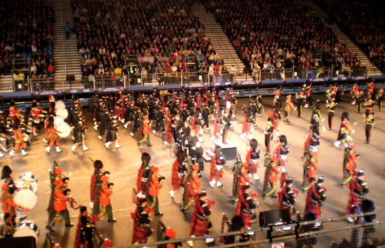 Massed Pipes & Drums re-entre
