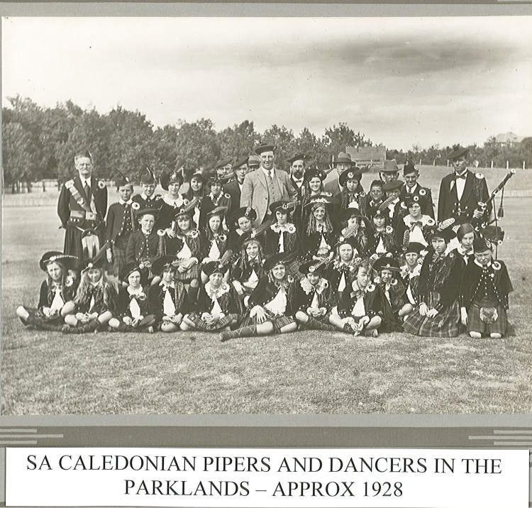 1928 approx RCS Pipers & Dancers