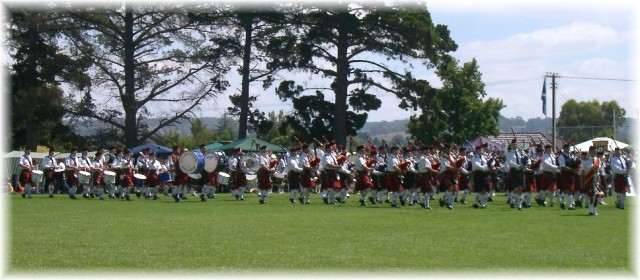 2003 Mt Barker Highland Gathering massed bands